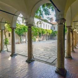 Milano_centro_città_Chiostri_del_XV_secolo4