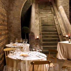 Tiffany_eventi_location_roma_centro_antico_monastero4